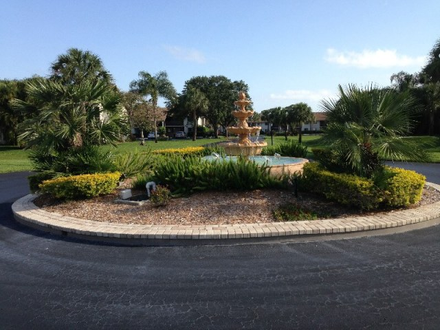 fountain of the the River Club