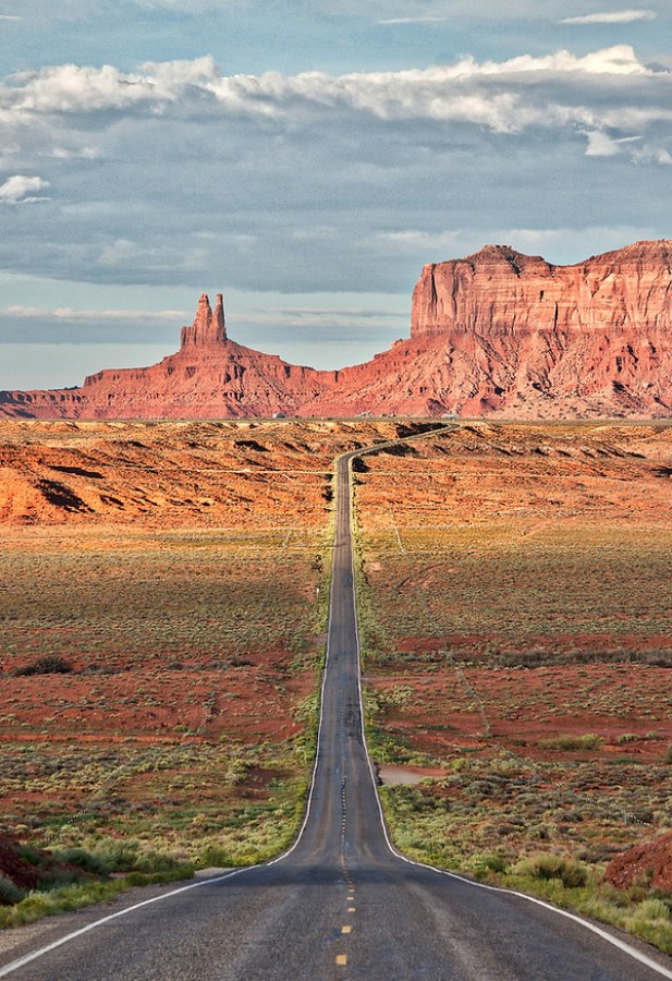 Long Roads in Utah – Stuck in Customs