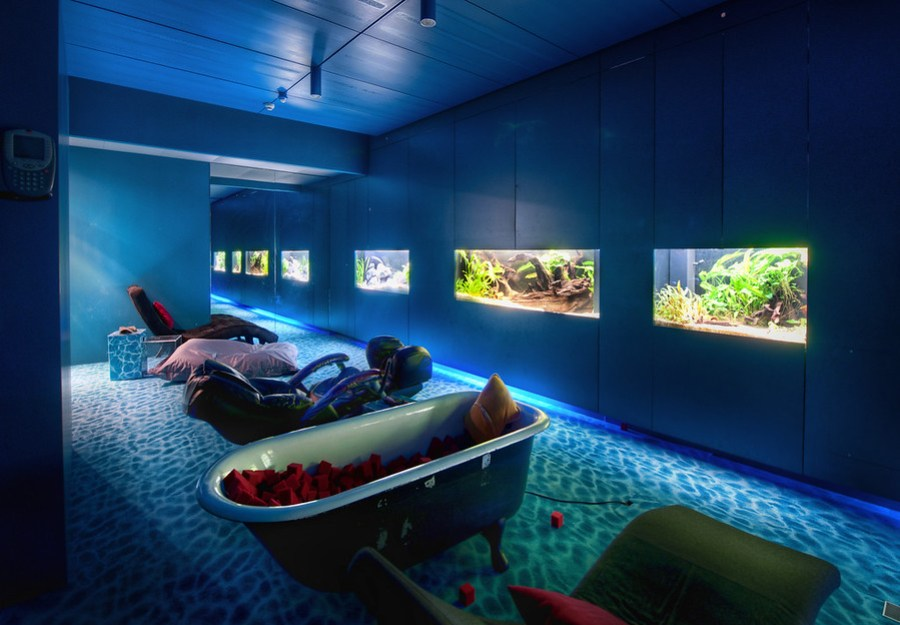 The Secret Google Chilling VatOn the tour around the cool Zurich offices, Brian White took me into this watery oasis. It is where euro-Googlers come to nap when they need a brain-break. I don't know for sure, but I imagine them slinking around in here while wearing trendy euro-clubbing clothes.There were soft water-sounds wafting about, and everything was very zen. You can choose whatever sleeping arrangement you like: the porcelain tub filled with red foam cubes, the leathery massage chair that doesn't ask questions, or many more...- Trey RatcliffThe rest of this blog post is here at www.stuckincustoms.com.