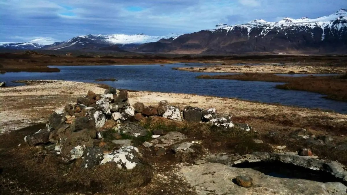 The Surprising Gem of an Icelandic Hot Spring