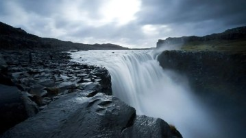 One of the highlights of the Diamond Circle itinerary is Dettifoss waterfall. It in the Vatnajökull National Park in Northeast Iceland. It is the most powerful waterfall in Europe.