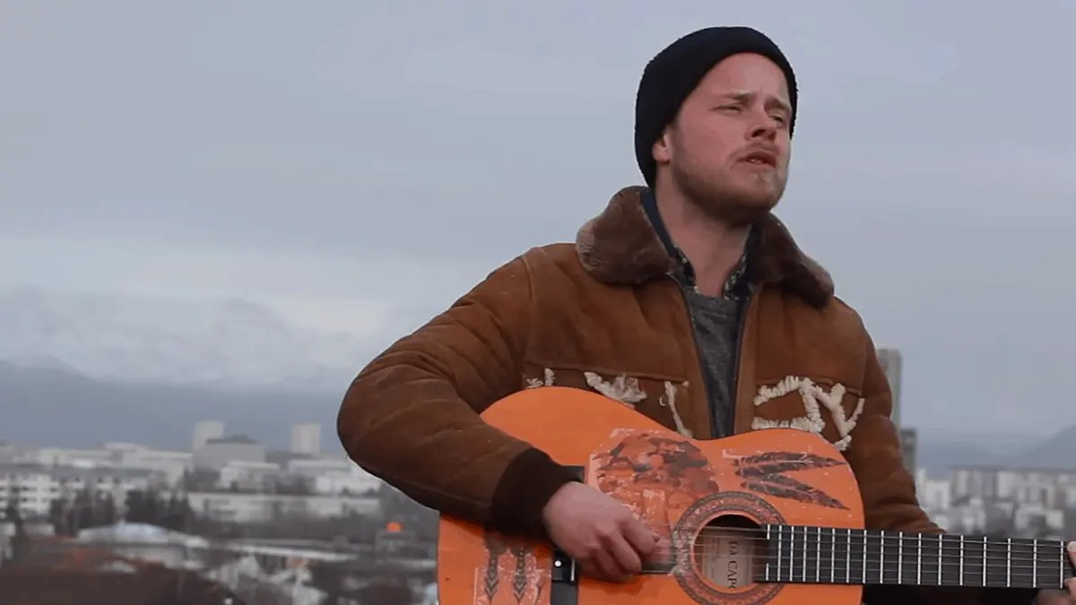 Discover The Essence of Icelandic Music in the Film Tónlist