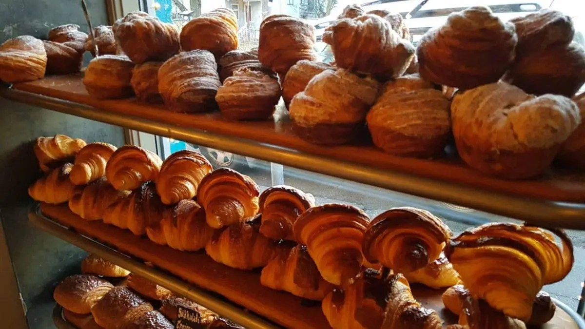 The Best Pastry in Reykjavik – Indulge in Sinful Delights!