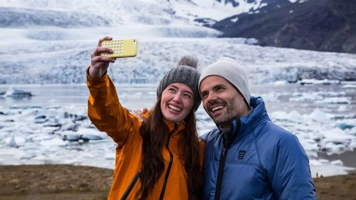 Travelers delighted with Iceland