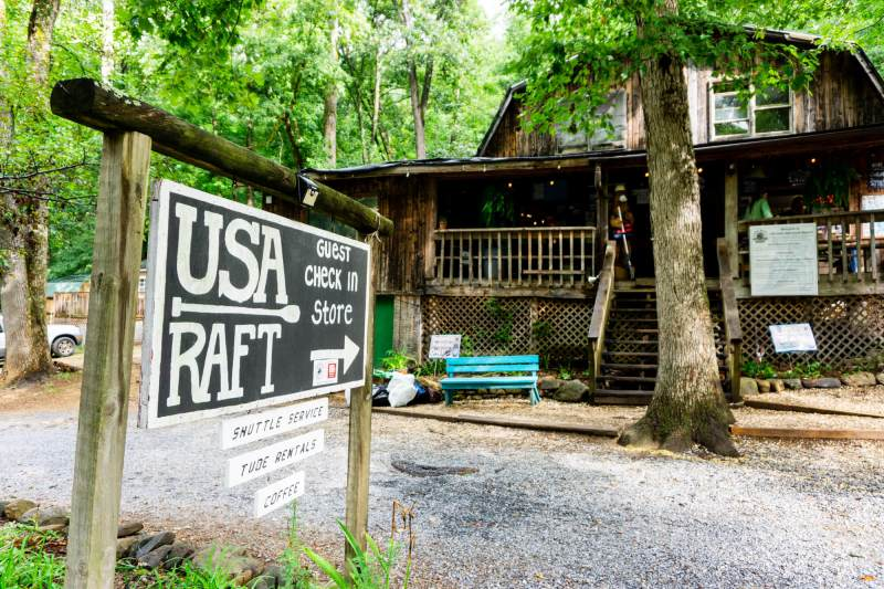 USA Raft sign in front of store