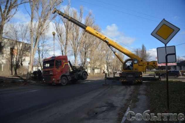 В Днепропетровской области сервисный центр МВД забрызгали 20 тоннами жидких фекалий 5
