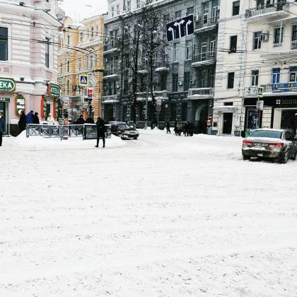 Харьков и дальше будет заметать снегом, полиции поручено убрать с улиц машины 3