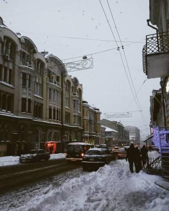 Харьков и дальше будет заметать снегом, полиции поручено убрать с улиц машины 9