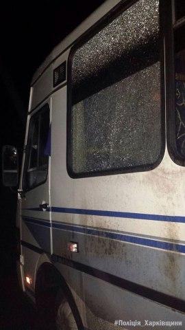 Под Харьковом правоохранители задержали подростков, которые устроили засаду и обстреляли рейсовый автобус 5