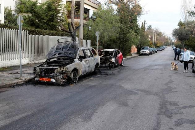 Прошедшей ночью неизвестные подожгли автомобили возле украинского посольства в Греции 4