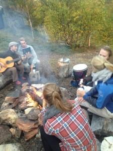 KND14 på helgetur til koia Telin (Foto: Nora Karlsson).