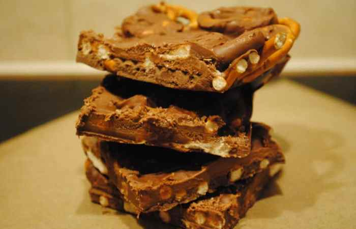 Chocolate pretzel block