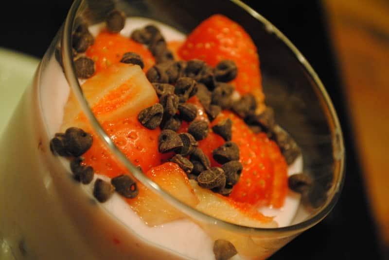 ULTIMATE yoghurt and fruit breakfast