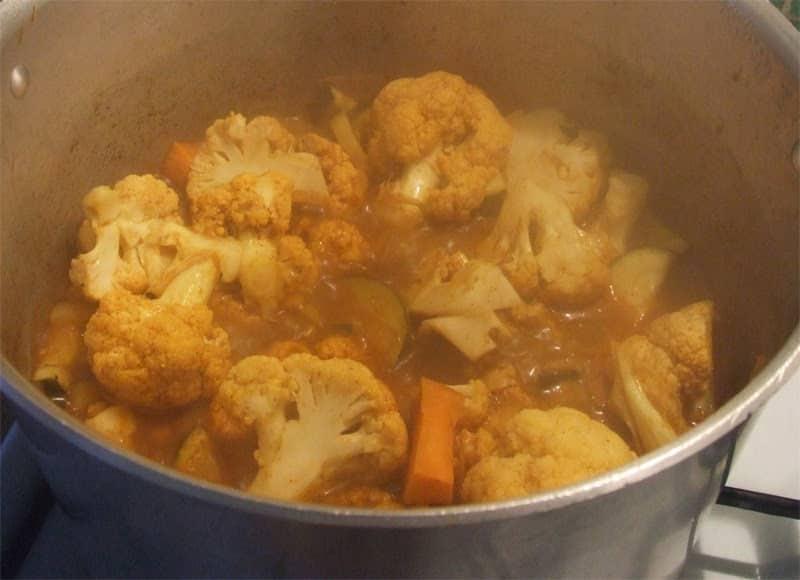Vegetarian Cauliflower Curry