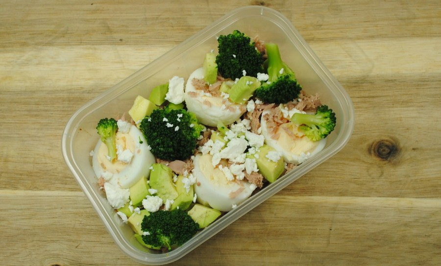 Tuna, Egg, Broccoli and Avocado Salad Box Recipe - 2