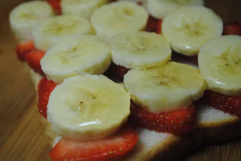 Banana and Strawberry open sandwich