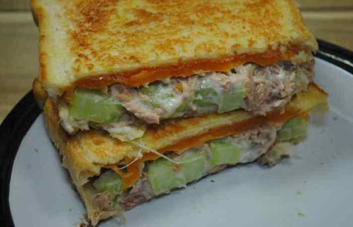 Low Calorie, High Protein Tuna Melt Sandwhich