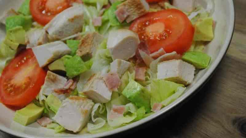 turkey-bacon-avocado-salad-recipe-1