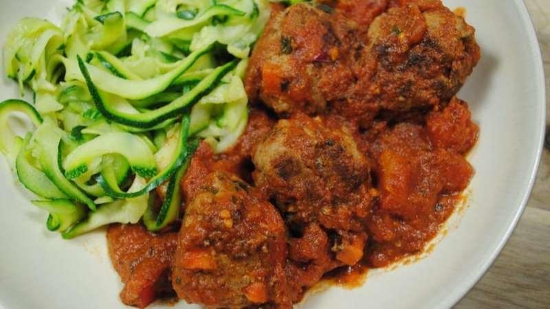 meatballs and courgetti recipe - 2