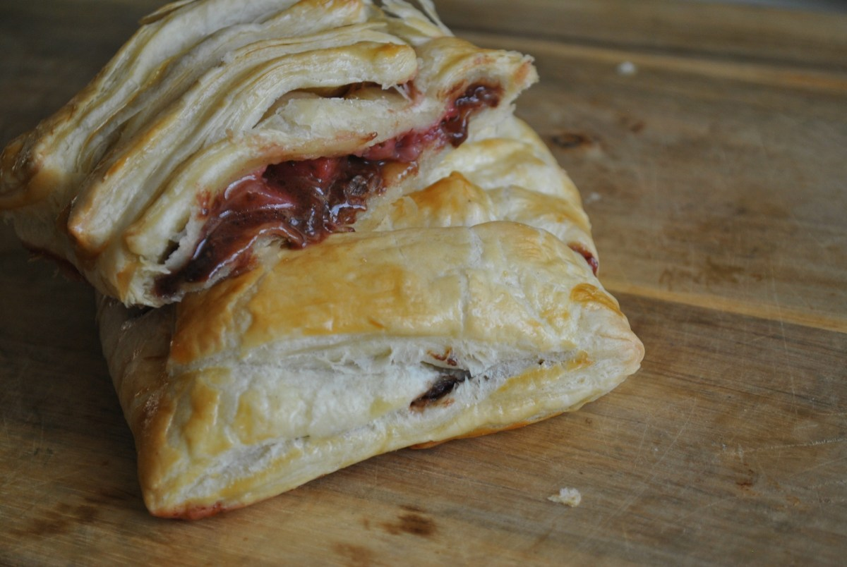 4 ingredient Chocolate and Strawberry Puff Pastry recipe - 1