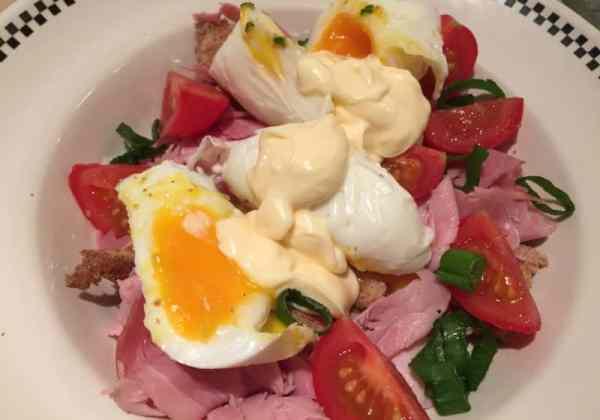 Eggs-benedict-salad-recipe