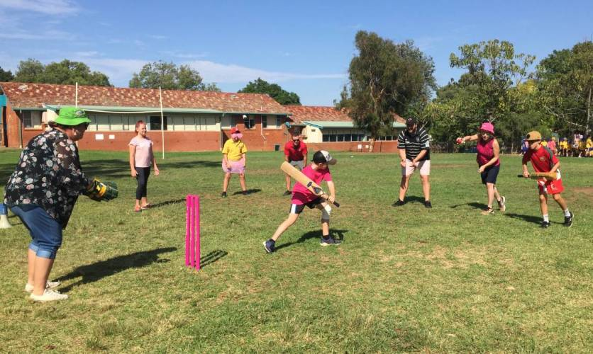 Pink Stumps Day at Dubbo South