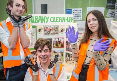 Albany Senior High School Students Clean Up Their Community