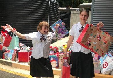 St Peters Lutheran College Students Activate Christmas Spirit