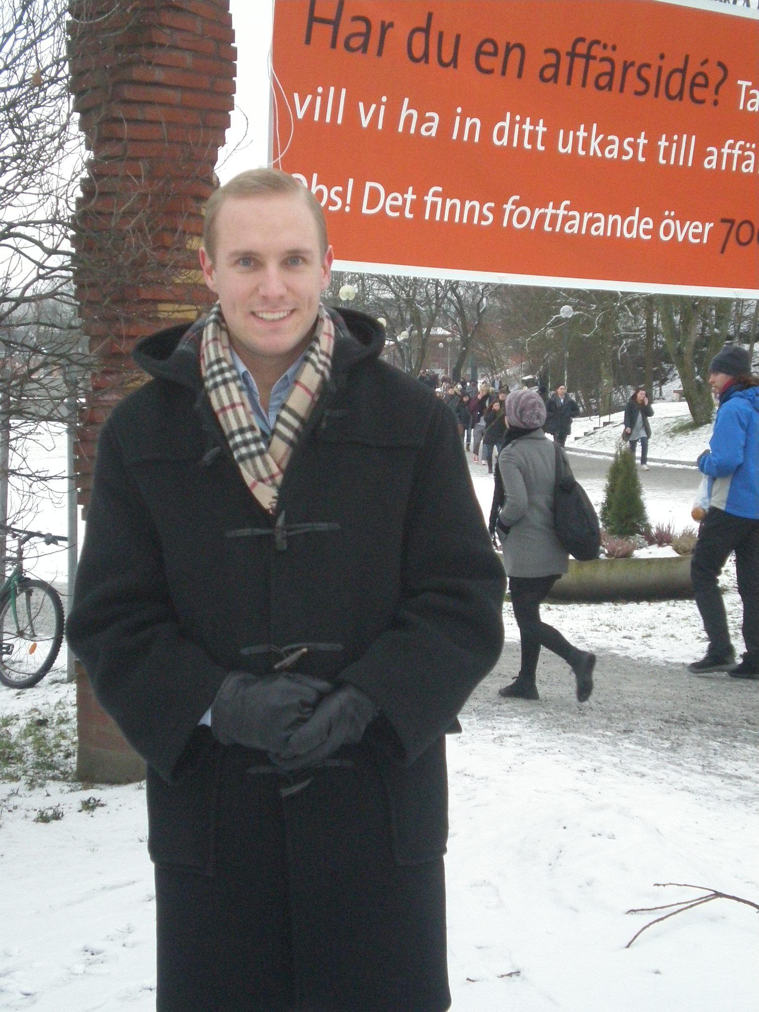 Aron vid Stockholms universitets tunnelbanestation.
