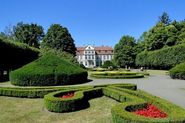 сад вокруг аббатского дворца