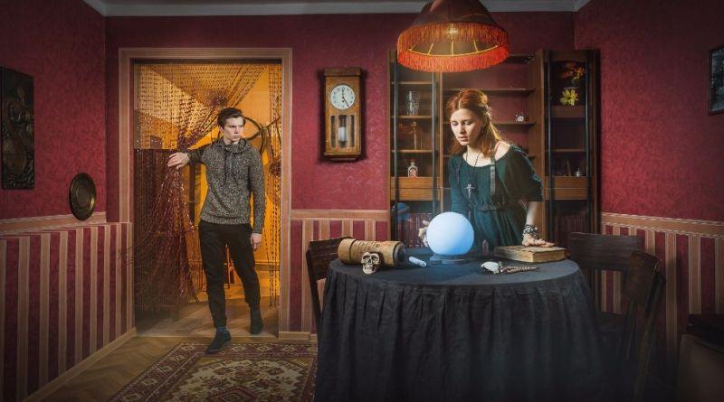 Театральные новинки 2018: Платон, спиритический сеанс и путешествие во времени