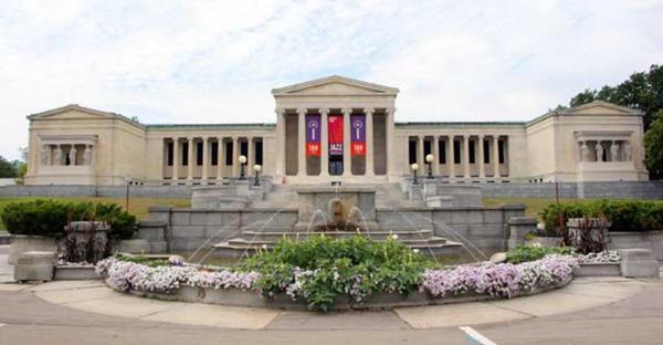 Buffalo Shines Surprising Student Travel Destination