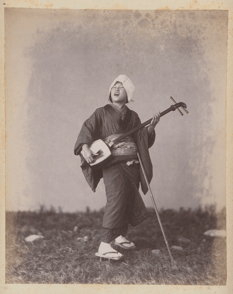 476px-adolfo_farsari_-_shamisen_player