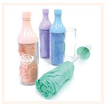Ombrelli in bottiglia, per metterlo e rimetterlo comodamente in borsa!