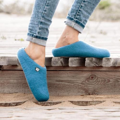 felt-slipers-natural-blue-woolig