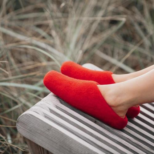 red-slippers-red-woolig