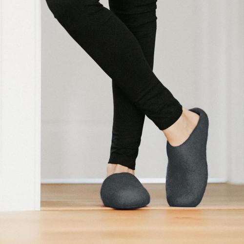 woolig-felt-slippers-grey