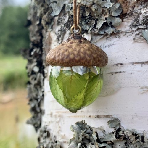 natural-acorn-necklace-with-birch-leaves