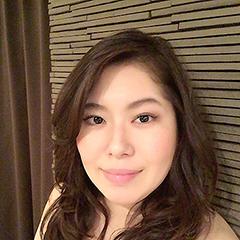 ヨガインストラクター 澤田由紀子