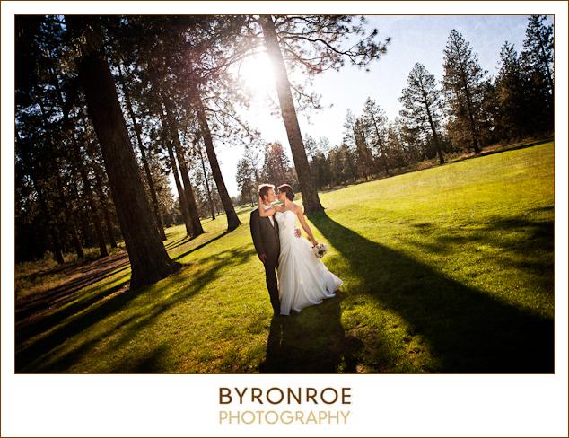 bend-golf-country-club-oregon-wedding-lizzymiro-1
