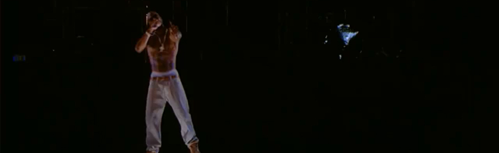 Tupac ressuscité le temps d'un concert