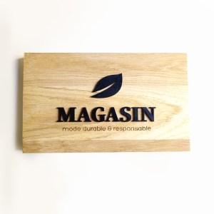 enseigne bois entreprise, plaque éco-responsable sur mesure, creation artisanale, découpe lettrage logo entreprise, bois gravure laser personnalisée