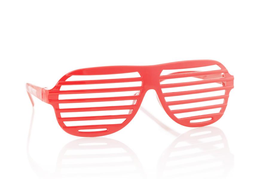 Rode zonnebril met een spiegelreflectie
