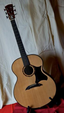 Folk_Jumbo_Luthier-Christophe_Couillaud-Le Mans