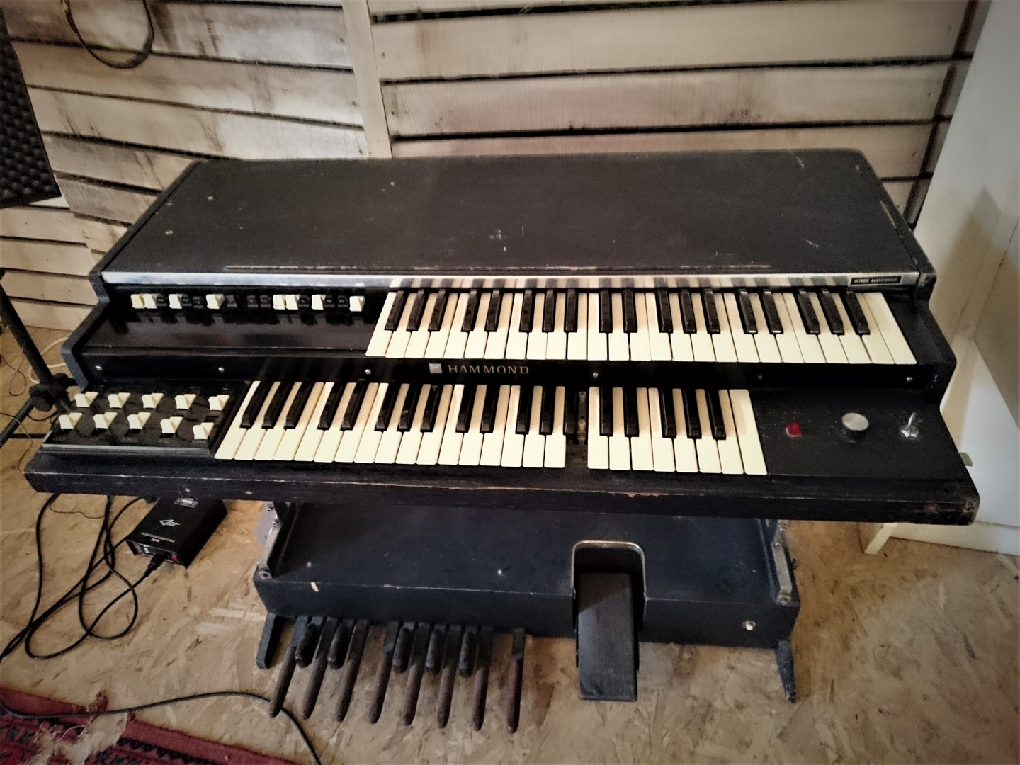 studio-la-boite-a-meuh-Orgue- Hammond-LP100