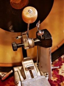 studio-la-boite-a-meuh-premier-resonator-pedale-grosse-caisse-reglages