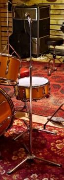 studio-la-boite-a-meuh-premier-resonator-pied-cymbales