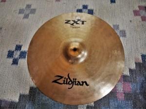 studio-la-boite-a-meuh-zildjian-zxt-medium-thin-crash-16-dessus