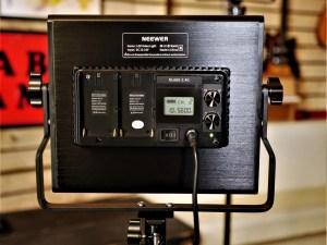 studio-la-boite-a-meuh-panneaux-led-video-Neewer-derrière