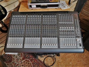 studio-la-boite-a-meuh-mackie-onyx-2480-dessus